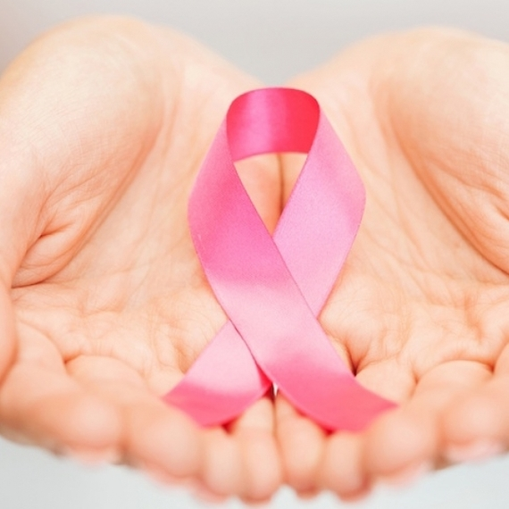 La team rose des Michelets participe à la lutte contre le cancer du sein ! Collecte de Azélina et Ophélie